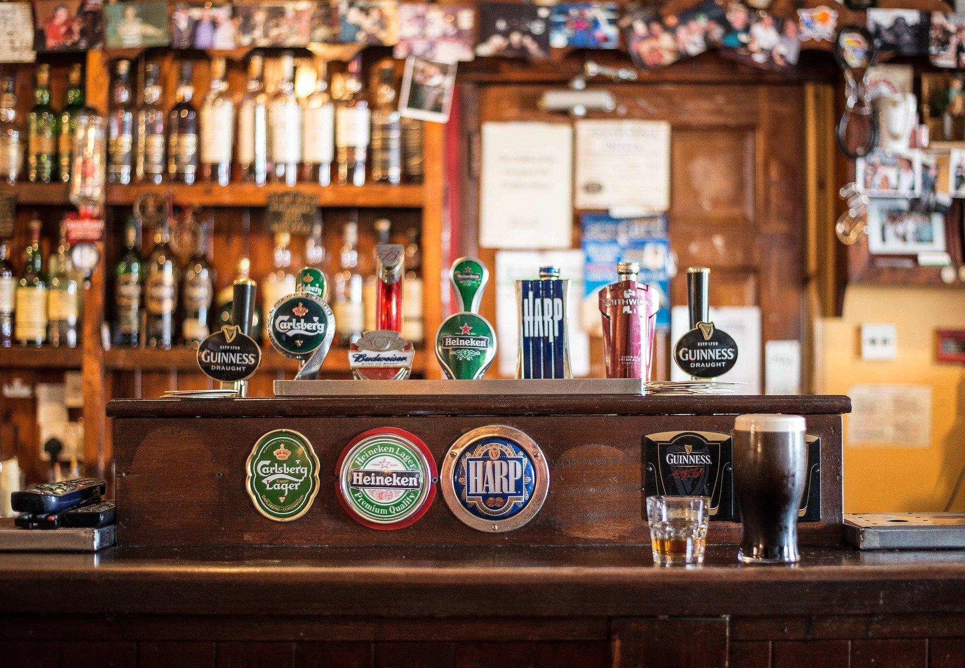 Cómo atraer clientes a un pub