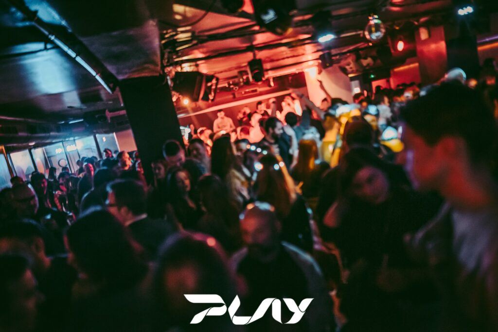 Play Club valencia discoteca